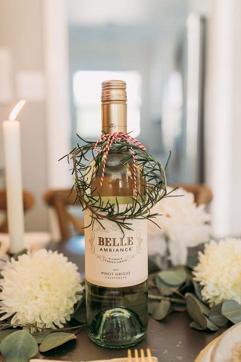 Creative Ways to Gift Wine with Belle Ambiance - Whiskey and Lace by Erika Altes Inexpensive gift idea - add creative wrapping to a bottle of wine! Such an easy and inexpensive hostess gift idea! Wine Bottle Gift, Wine Gifts, Christmas Gift Wrapping, Diy Christmas Gifts, Wrapped Wine Bottles, Boyfriend Gift Basket, Host Gifts, Wine Gift Baskets, Creative Gifts