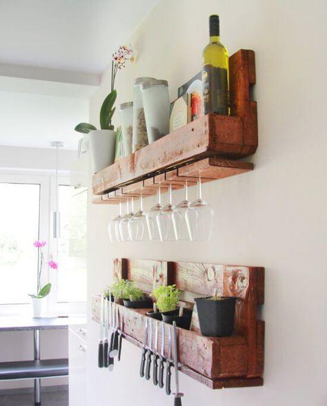 Küchenregal aus einer EURO-Palette für hängende Weingläser und - küchenregal mit beleuchtung