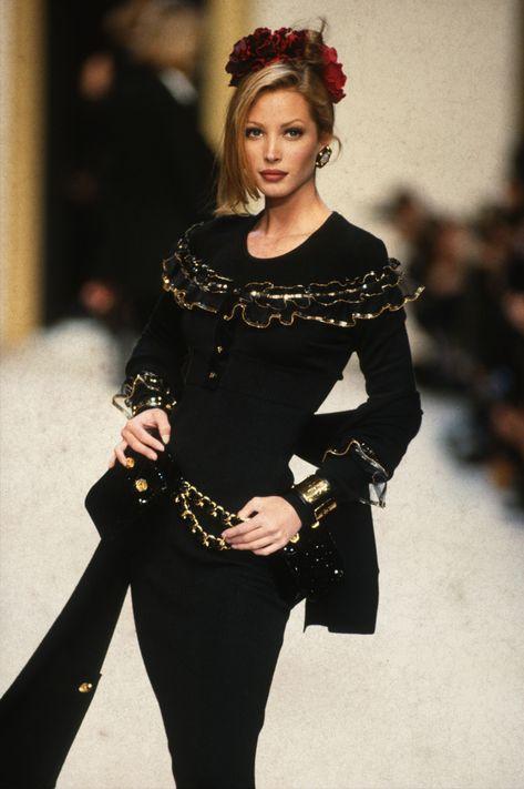 Chanel Runway Ready To Wear Fall/Winter 1992 1993 Stock-Fotos und Bilder - Getty Images
