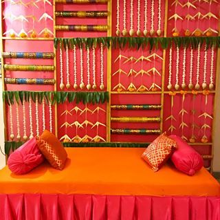 A South Indian Traditional Baby Shower Seating For The Mom To Be With Florals Thor Indian Baby Shower Decorations Indian Baby Showers Baby Shower Decorations,Backyard Landscaping Ideas Small Backyard Turf Ideas