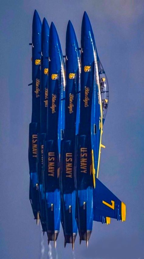 Military Jets, Military Aircraft, Angel Pictures, Cool Pictures, Fighter Aircraft, Fighter Jets, Avion Jet, Us Navy Blue Angels, Blue Angels Air Show