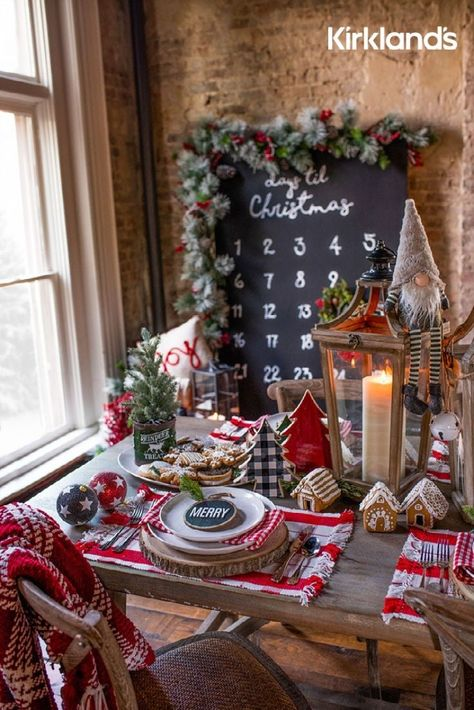 Christmas table decorations goals! 🎄 Tap the image to shop Christmas decor for your table. ❤️️