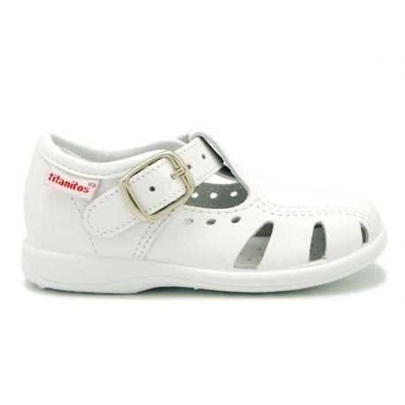 Tienda Online De Sandalias Para Niños Pequeños Tipo Pepito En Piel Lavable Con Puntera Y Hebilla En 2020 Sandalias Para Niñas Sandalias Y Calzas