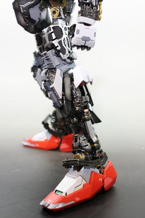 PG 1/60 Strike Gundam + I.W.S.P. - Custom Build     Modeled by zzzang65