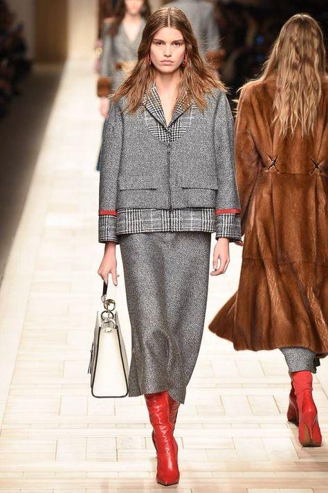 Fendi Fall 2017 Ready-to-Wear Fashion Show - Luna Bijl