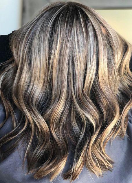 Frisuren Trend Mushroom Blonde Ist Die Farbe Fur Alle Haare Hair Styles Thick Hair Styles Hair Trends