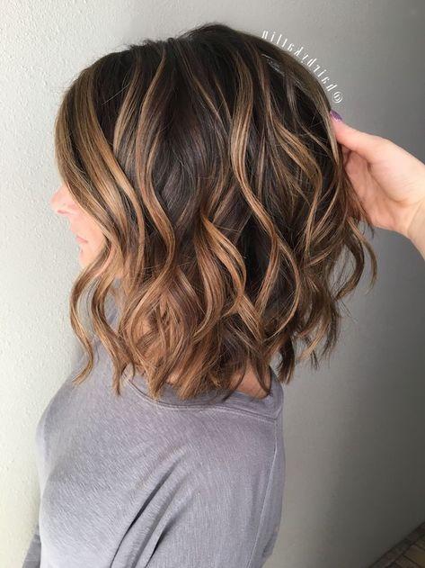 Kurze mit strähnen haare dunkle hellen Braune Haare