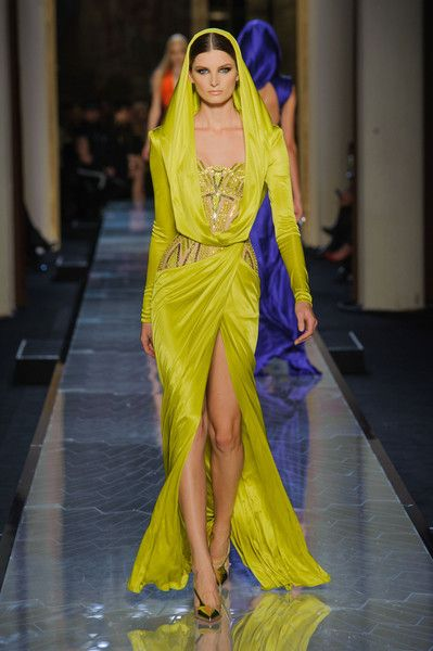 Versace Couture Spring 2014 - Versace's Most Unforgettable Couture Runway Dresses - Photos