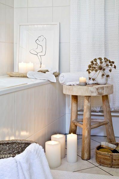 Home Spa Relaxen Im Eigenen Bad In Einem Behaglichen Wohlfuhlbadezimmer Las Wohnzimmer In 2020 Wohnzimmer Dekor Modern Stylische Mobel Hocker Holz