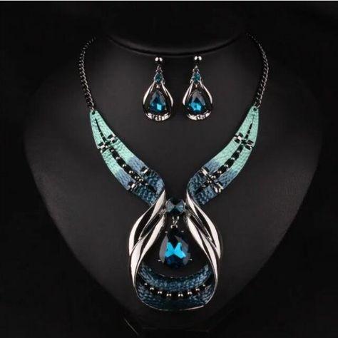 Noël vert émeraude taille émeraude collier pendentif boucles d/'oreilles Gemstone 18K Jewel Set