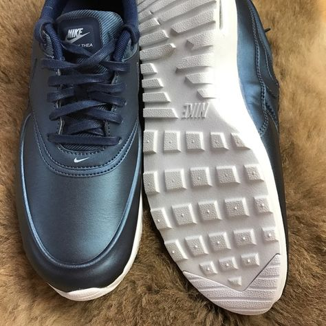 Rabatt Nike Air Max Thea Premium Leather Metallic Silver NWT