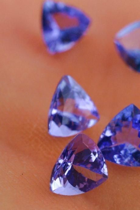 Natural Tanzanite 4mm 5 Pieces Lot Faceted Cut Trillion Top