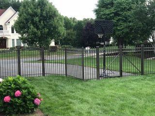 Bronze Aluminum Fence Aluminum Fence Fence Styles Outdoor