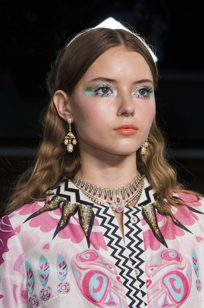 Manish Arora, Spring 2018 - Our Favorite Hair and Beauty Details From the Paris Runways - Photos