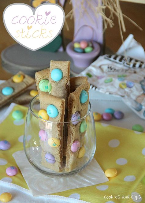 Cookies and Cups Cookie Sticks - such a fun spring dessert!