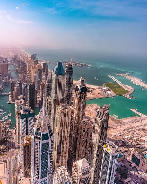 Dubai Tower, Dubai City, Dubai Uae, Dubai Houses, Dubai Buildings, Malaysia Tourism, Colorado Tourism, Dubai Architecture, Beautiful Places To Travel