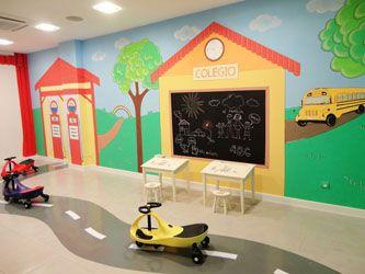 Paredes Decoradas Con Dibujos Para Ninos En Empresas Guarderias Ludotecas Bibliotecas Decoracion Infantil Paredes Mural Infantil Decoraciones De Guarderia