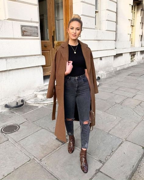 20+ Elegant Outfits Ideas With Denim Jeans For Fall 2019 - #Denim #Elegant #Fall #ideas #jeans #Outfits