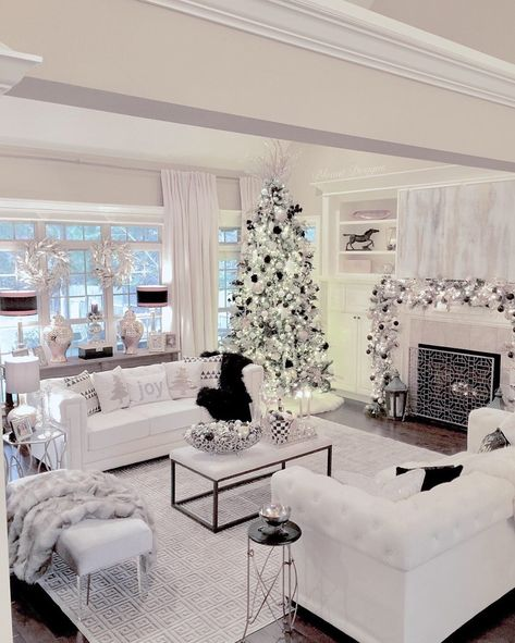 I've gathered 10 of my friends for our first ever Bright White Home Series Christmas Edition. Come and see these dreamy Christmas homes!