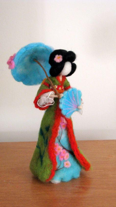 Massanfertigung Nadel gefilzt Geisha-Puppe, Waldorf inspirierte, groß ca. 10. Kunst-Puppe. Sie ist voller Liebe, Glück und Stille, eine Natur zu ihrem neuen Haus zu bringen. Sie können jemandem eine Freude als Geschenk machen, eine schöne Heimtextilien oder einen Teil Ihrer