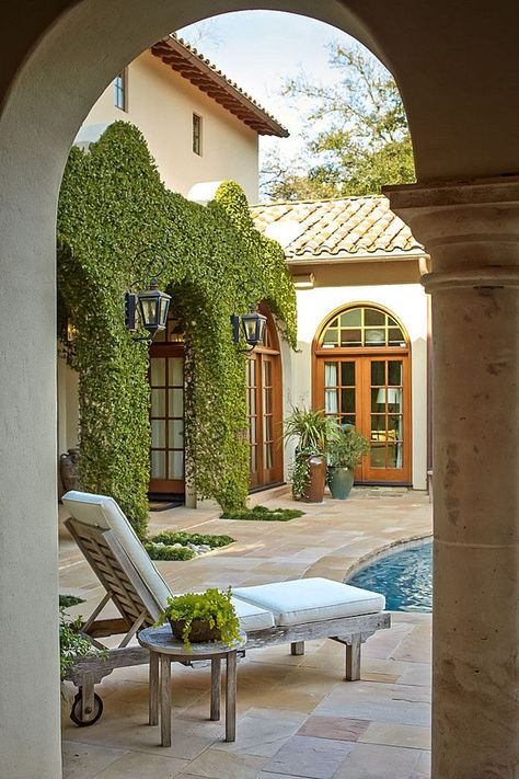 Get inspired with these patio ideas. Browse our photo gallery of beautiful patios, from small DIY projects to professionally designed outdoor rooms. Future House, Exterior Design, Outdoor Living, Courtyard Design, House Exterior, House Design, House Styles, Hacienda Style, Outdoor Rooms