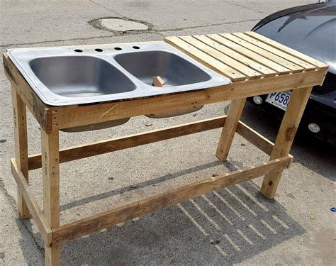 How To Make A Free Standing Kitchen Island Out Of Pallets Ecosia Outdoor Kitchen Sink Pallet Furniture Outdoor Wood Pallet Projects