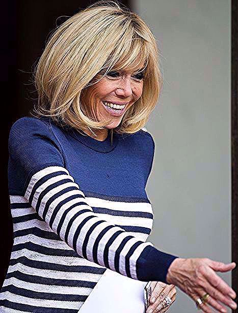 Les Cheveux Lisses De Brigitte Macron Les Cheveux Lisses De Brigitte Macron Les Cheveux Lisses De Brigitte Macr Hot Hair Styles Hair Stiles Brigitte