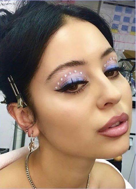 makeup Maddy perez von Euphorie Make-up Look 90s Makeup, Cute Makeup, Pretty Makeup, Eyeshadow Makeup, Iconic Makeup, Eyeliner, Nyx Lipstick, Eye Makeup Art, Makeup Trends