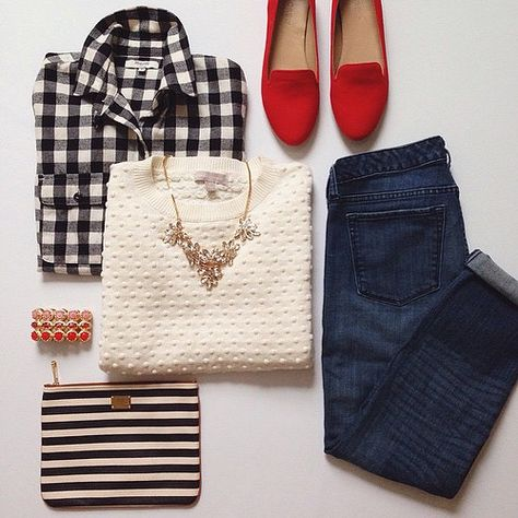 Love this outfit. with red Tom's instead Early Fall Outfits, Fall Winter Outfits, Autumn Winter Fashion, Winter Shoes, Red Shoes Outfit, My Outfit, Summer Outfit, Live In Jeans, Casual Outfits