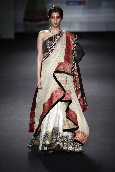 Aaina - Bridal Beauty and Style: Designer Bride: Anju Modi at Bridal Couture Week 2012