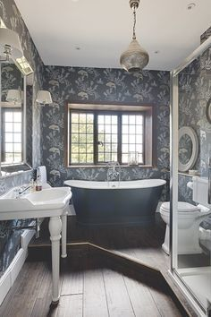 Small Victorian Bathroom Ideas Victorian Style Bathroom