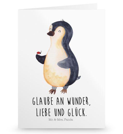 Grußkarte Pinguin Marienkäfer aus Karton 300 Gramm  weiß - Das Original von Mr. & Mrs. Panda.  Die wunderschöne Grußkarte von Mr. & Mrs. Panda im Format Din Hochkant ist auf einem sehr hochwertigem Karton gedruckt. Der leichte Glanz der Klappkarte macht das Produkt sehr edel. Die Innenseite lässt sich mit deiner eigenen Botschaft beschriften.    Über unser Motiv Pinguin Marienkäfer      Verwendete Materialien  Diese wunderschöne Produkt aus edlem und hochwertigem 300 Gramm Papier wurde matt glän