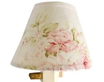 Chic Floral Etsy In 2020 Antique Lamp Shades Small Lamp Shades Wall Lamp Shades