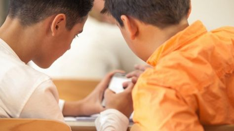 One Teacher Lets Students Prove They're Trustworthy With Devices