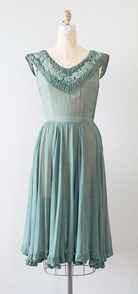 Spectacular Vintage Chairs For Sale Uk D Vintage Dresses Vintage Clothing Online Vintage 1950s Dresses Parties