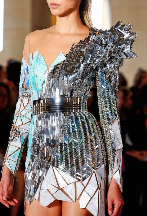 #robe #merveilleuse #défilé #princesse #mode #grandscouturiers #dress #marvellous #catwalk #princess
