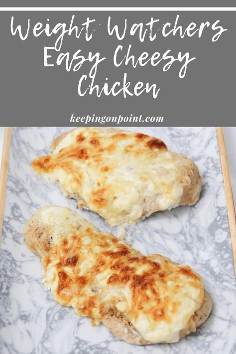 Easy Cheesy Chicken - WW (Weight Watchers) Freestyle - This cheesy chicken takes 5 minutes to prepare. It's such an easy chicken recipe! Weight Watchers Sides, Weight Watchers Meal Plans, Weigh Watchers, Weight Watcher Dinners, Weight Watchers Chicken, Weight Watcher Recipes Easy, Weight Watchers Casserole, Ww Recipes, Light Recipes