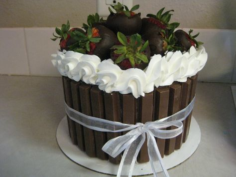 Chocolate covered strawberries with Kit Kats. shellscakes.com