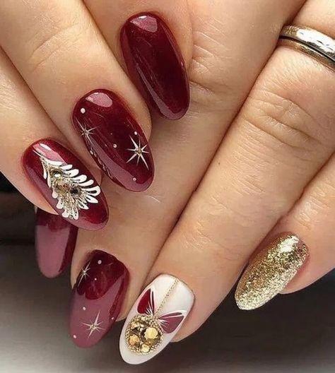 28 The Cutest and Festive Winter Nail Designs Ideas * remajacantik #WinterNailDesignsIdeas #CutestWinterNailDesignsIdeas #FestiveWinterNailDesignsIdeas