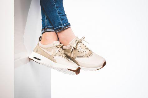 Nike WMNS Air Max Thea Premium (grey silver) 616723 026   43einhalb Sneaker Store