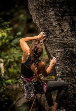 awesome Learn to rock climbing today with Oxbold. the Rock Climbing girl. Trekking, Runners High, Sport Fitness, Moda Fitness, Mountain Biking, Mountain Climbers, Yoga, Climbing Girl, Climbing Outfits