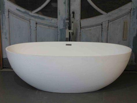 Italiaans design. vrijstaande baden luca vasca solid surface via