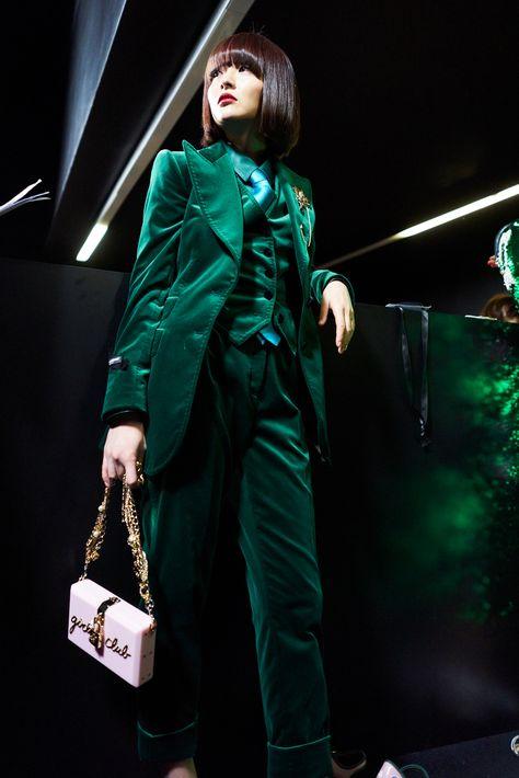 Dolce & Gabbana Women Fall Winter Fashion Show Backstage