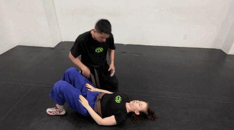 Self defense: Krav maga tecniques.