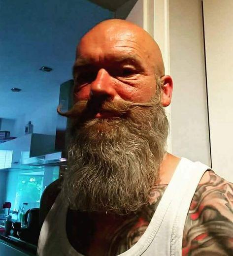 #mustache #glatze #vollbarträger #bart #baldwithbeard #