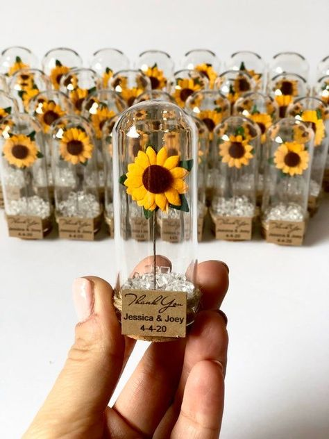 Weddings Discover Wedding Favors for Guests Wedding Favors Favors Rustic Wedding Custom Favors Sunflower Cute Wedding Ideas, Wedding Goals, Our Wedding, Wedding Planning, Dream Wedding, Party Wedding, Summer Wedding, Craft Wedding, Wedding Inspiration