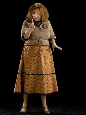 Harry Potter World Molly Weasley Harrypotter Harrypotterworld Mundoharrypotte Personajes De Harry Potter Disfraces De Harry Potter Cosplay De Harry Potter