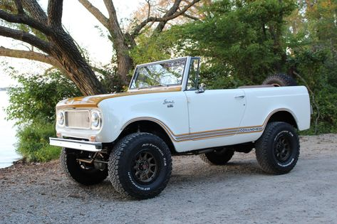 Bid for the chance to own a LS-Powered 1968 International Harvester Scout 800 at auction with Bring a Trailer, the home of the best vintage and classic cars online. International Pickup Truck, International Harvester Truck, International Scout, Old Ford Trucks, Lifted Chevy Trucks, Toyota Trucks, Pickup Trucks, Beach Rides, Beach Cars
