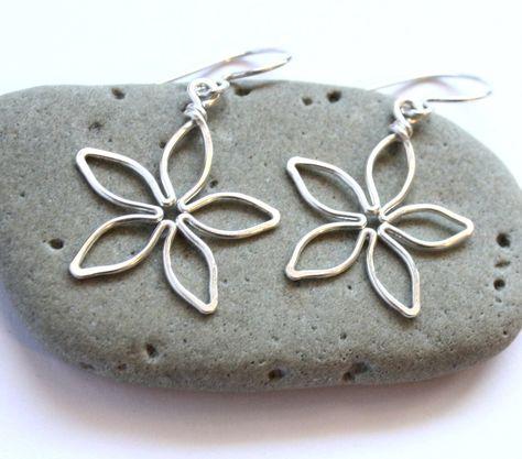 Easy Wire Wrapped Jewelry Tutorial : Flower Earrings