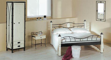 Vintage Schmaler Dreht ren Kleiderschrank optimal f rs G stezimmer Betten de kleiderschrank metall mediterran holz http betten de schlafzimm u